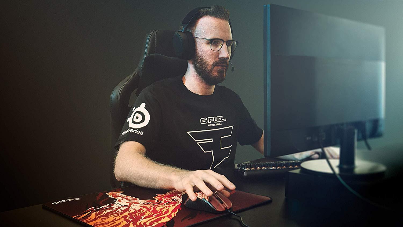 Image of professional fps gamer