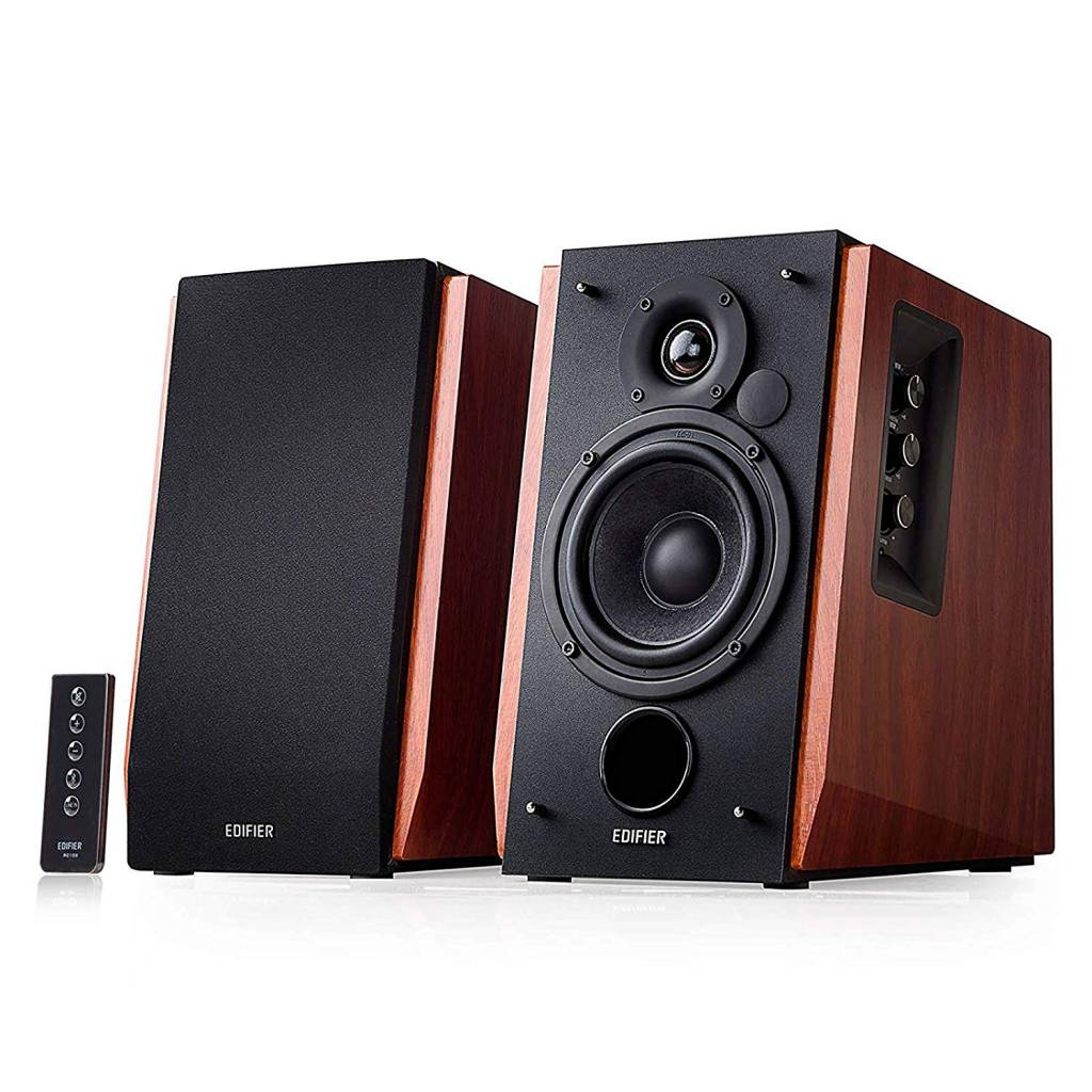 Image of two bookshelf Edifier speakers