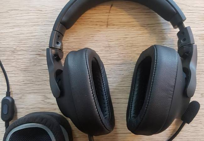 Image of everything that comes with G Pro headset