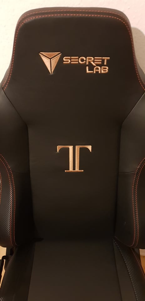frontal image of the titan gaming chair