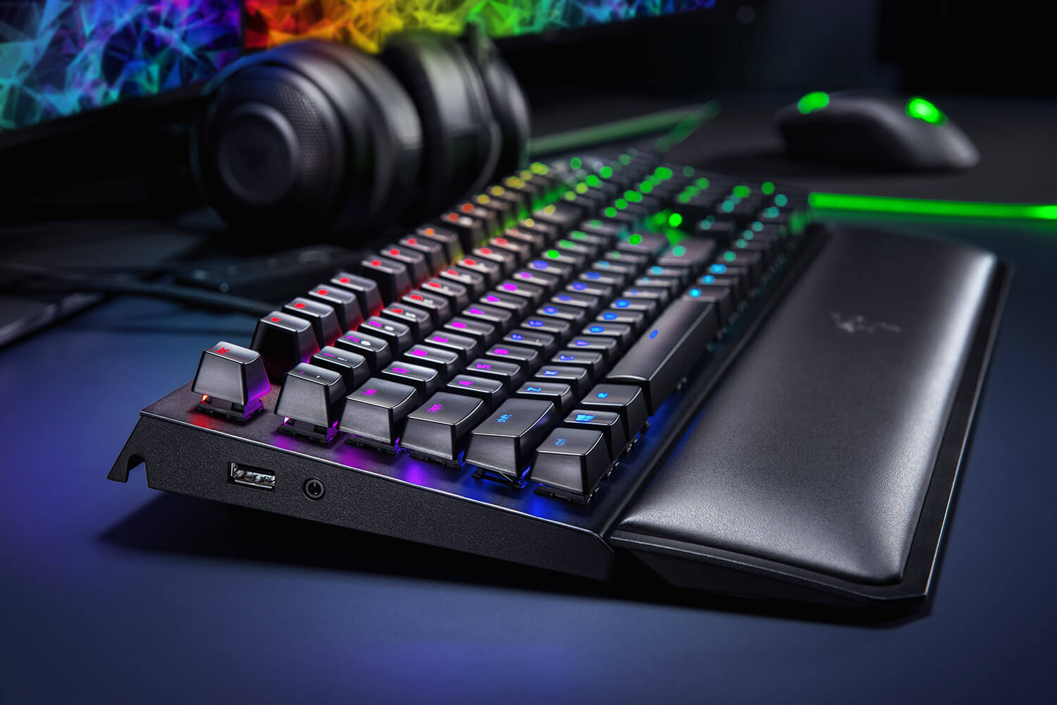 Official image of the Razer BlackWidow elite