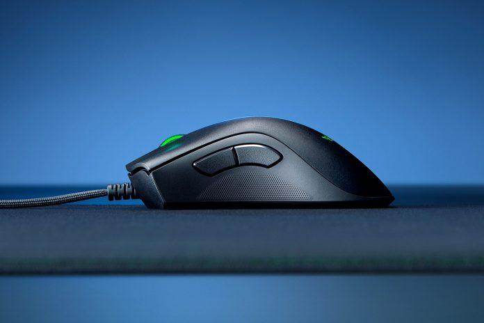 Image of Razer Deathadder v2 gaming mouse